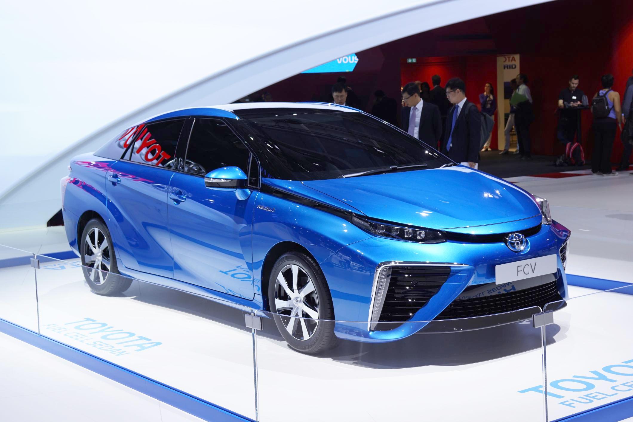 Lanzan al mercado auto movido por hidrógeno