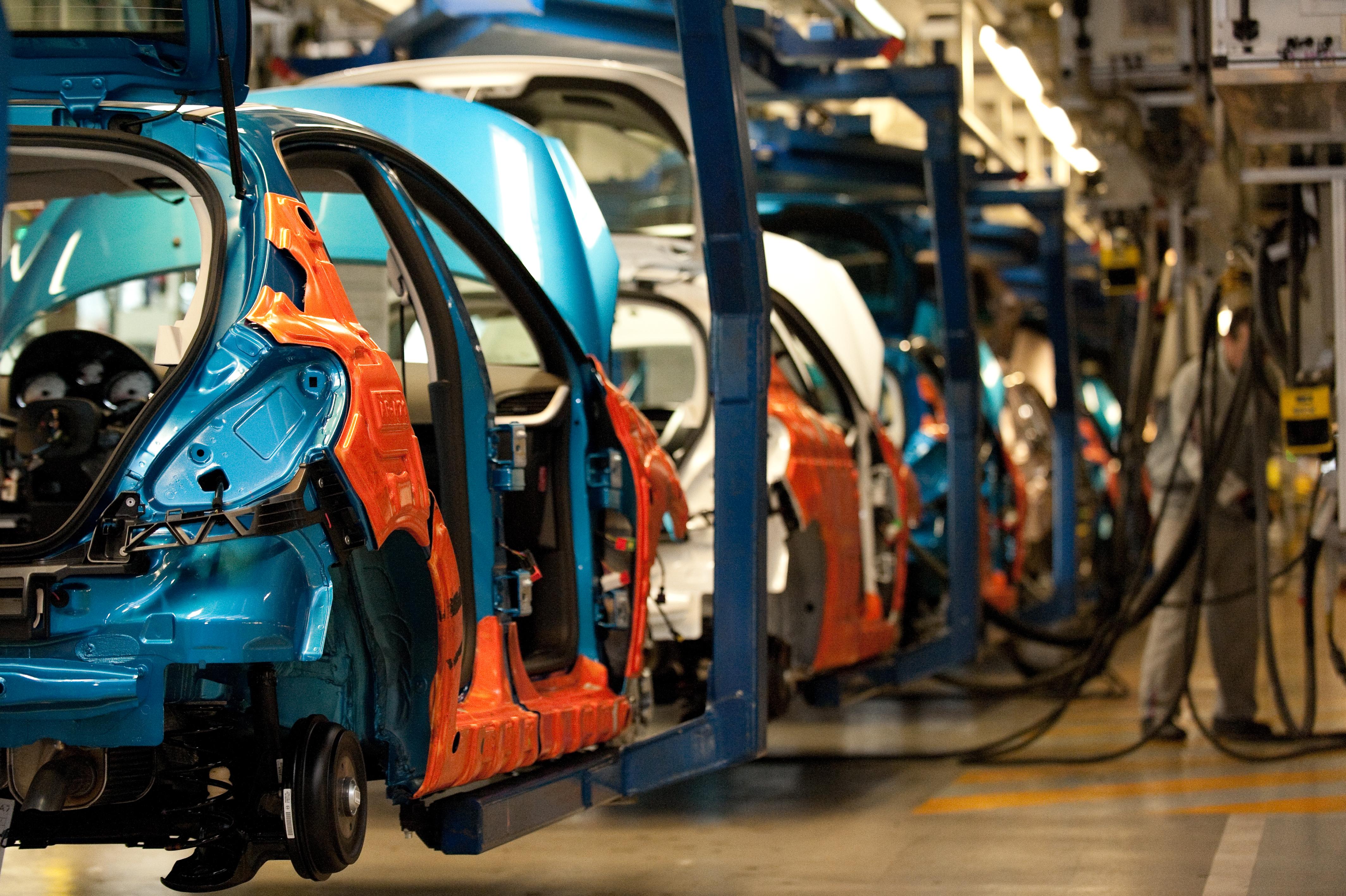 Alcanza niveles históricos la industria automotriz