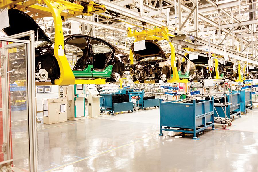 Rompe récord  la industria automotriz
