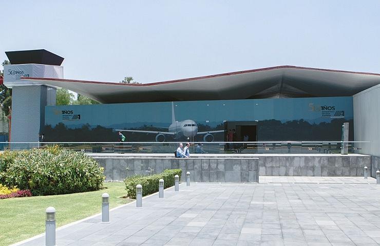 50 AÑOS de servir al sector aeroportuario de México