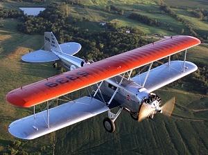 1933El Boeing B40 fue el primer avión que se dedicó al transporte comercial.