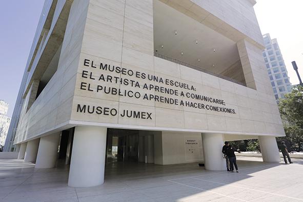 Bajo el mismo Sol: Arte de América Latina Hoy