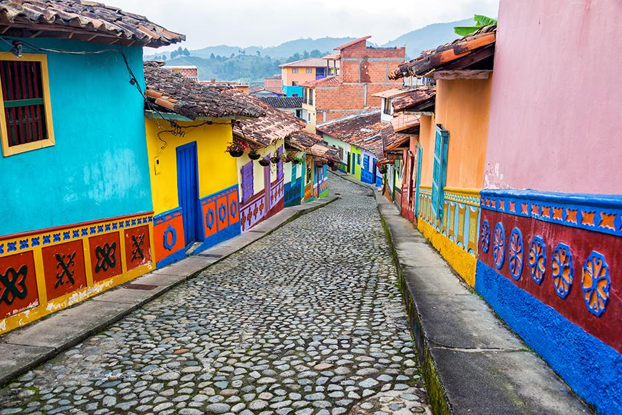 colombia_colourful_buildings