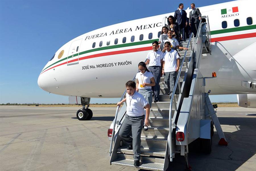 ¿El avión presidencial tiene invertidos los colores patrios?