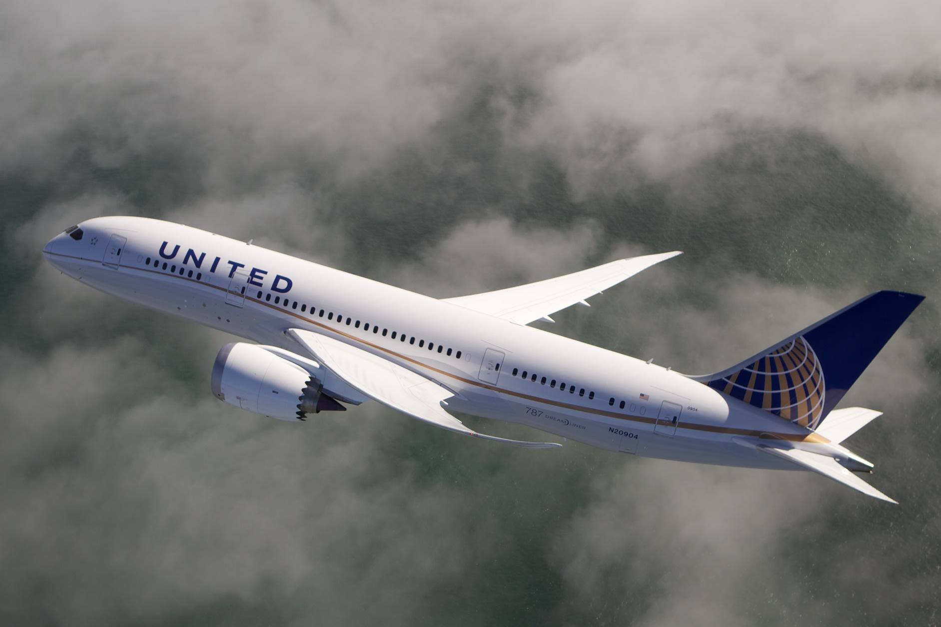 United Airlines inaugura segundo vuelo a San Luis Potosí