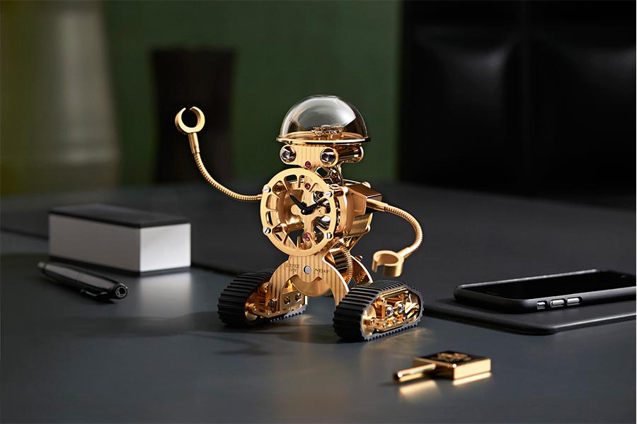 jet news Reloj-robot de MBandF