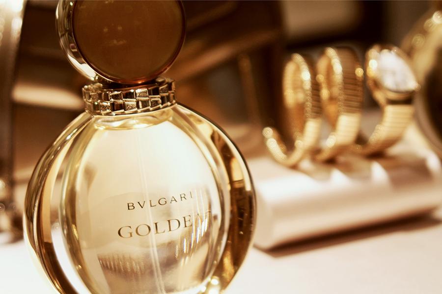 Bulgari presenta perfume Goldea