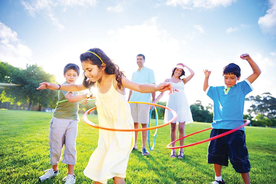 jet news horario de verano familia jugando