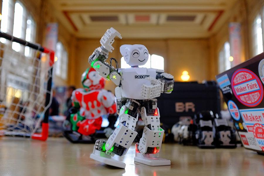 jet news robot sarwin robotis mini