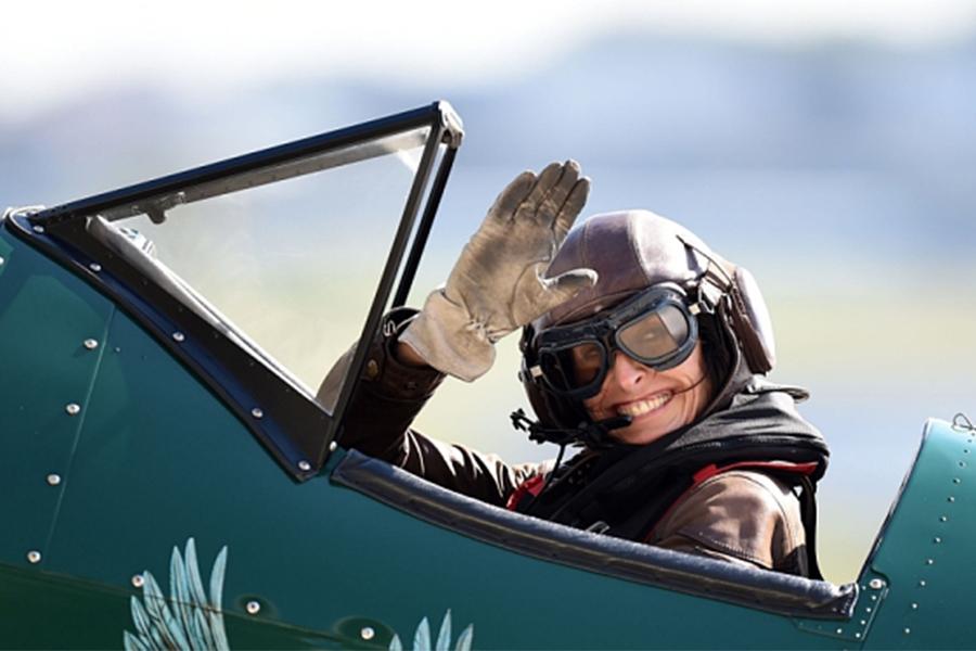 Tracey Curtis la mujer que pilotea por Estados Unidos