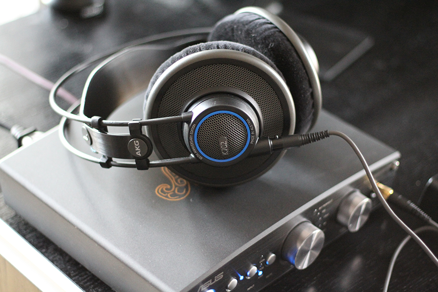 Audio profesional con audífonos Harman AKG K702