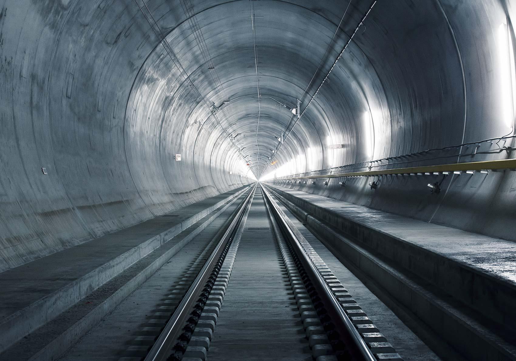 El túnel más largo y profundo del mundo