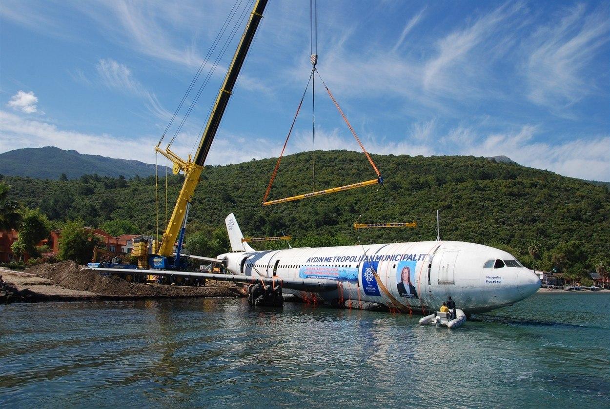 Turquía hunde Airbus para crear un arrecife natural
