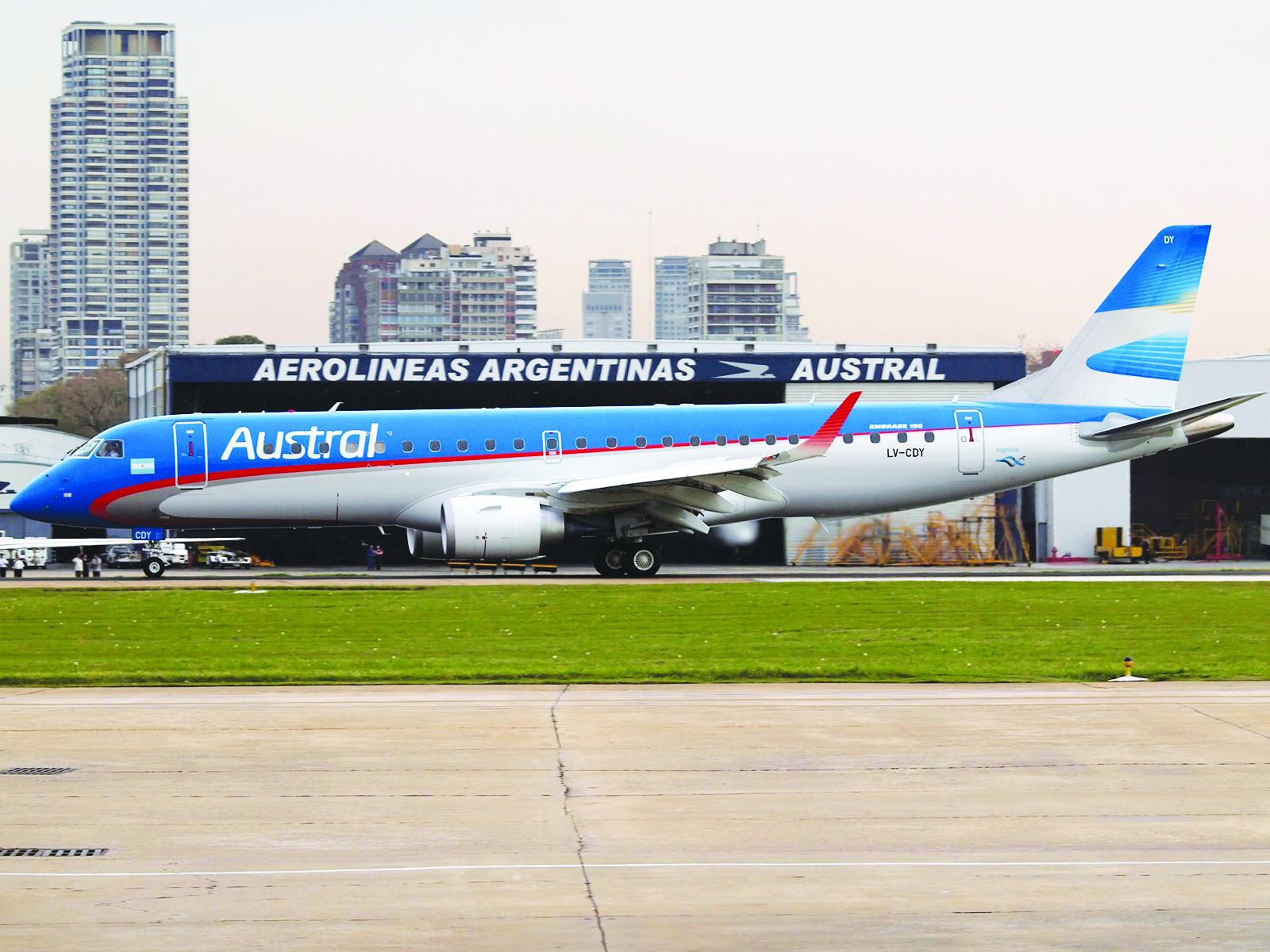 Aerolíneas Argentinas dice adiós al papel