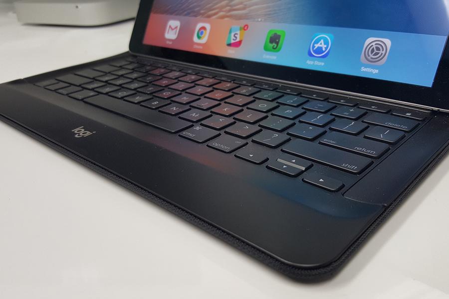 Logitech presenta funda con teclado para iPad