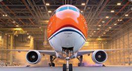 KLM se pinta de naranja