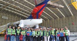 Delta acerca a jóvenes al mundo aeronáutico