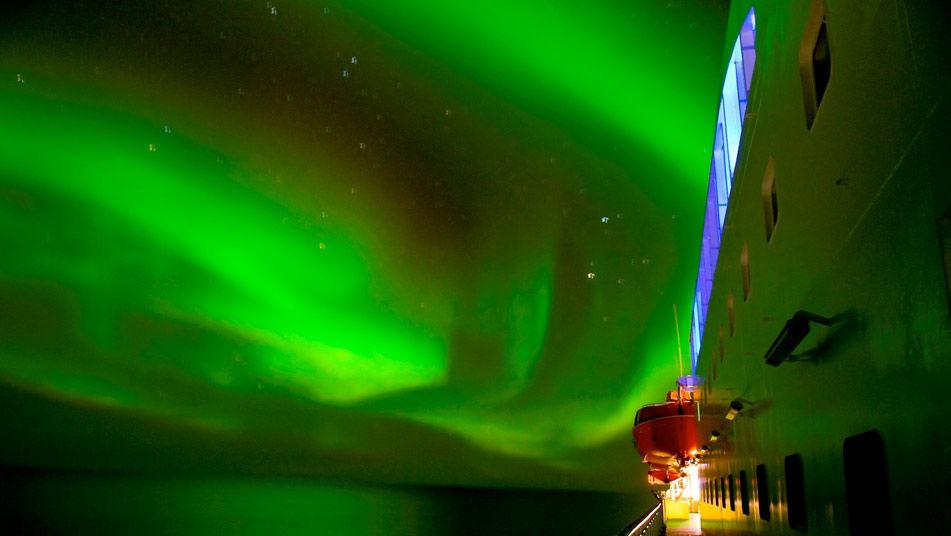 Aurora-boreal-vista-crucero-Noruega_TINIMA20120605_0180_3