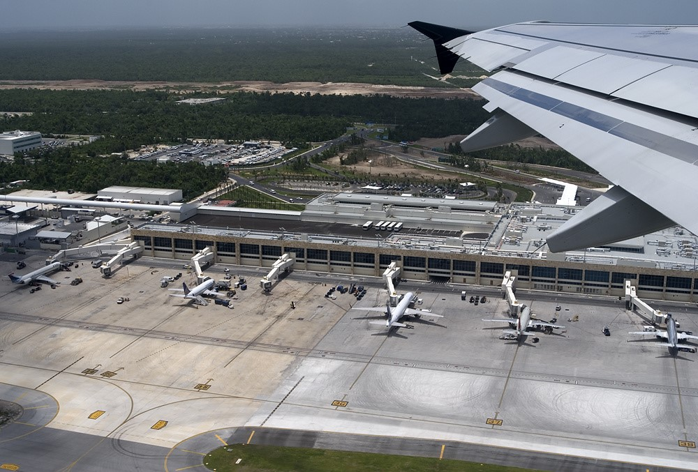 aeropuerto_internacional_de_la_cancun