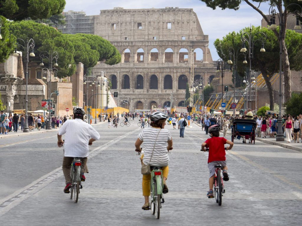 Cycling to the Colosseum, Rome