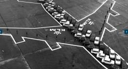 El día que KLM le enseñó al mundo cuánto media un Boeing 747 con autos