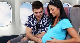 ¿Qué sucede con los bebés que nacen en el avión?