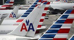 American Airlines reducirá el espacio entre asientos