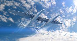El avión más grande del mundo sale de su hangar por primera vez