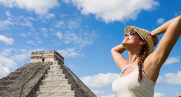 Llegada de turistas aéreos a México caería 70.8% en diciembre en escenario optimista: Sectur